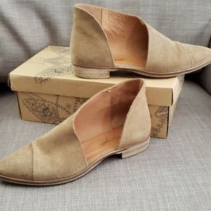 Free People Royale Beige Suede Flats 8.5